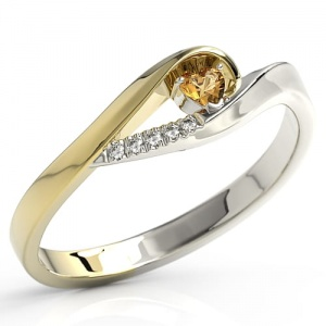 Ring i 14k guld med topas Swarovski 0,11ct och 5 diamanter 0,025ct